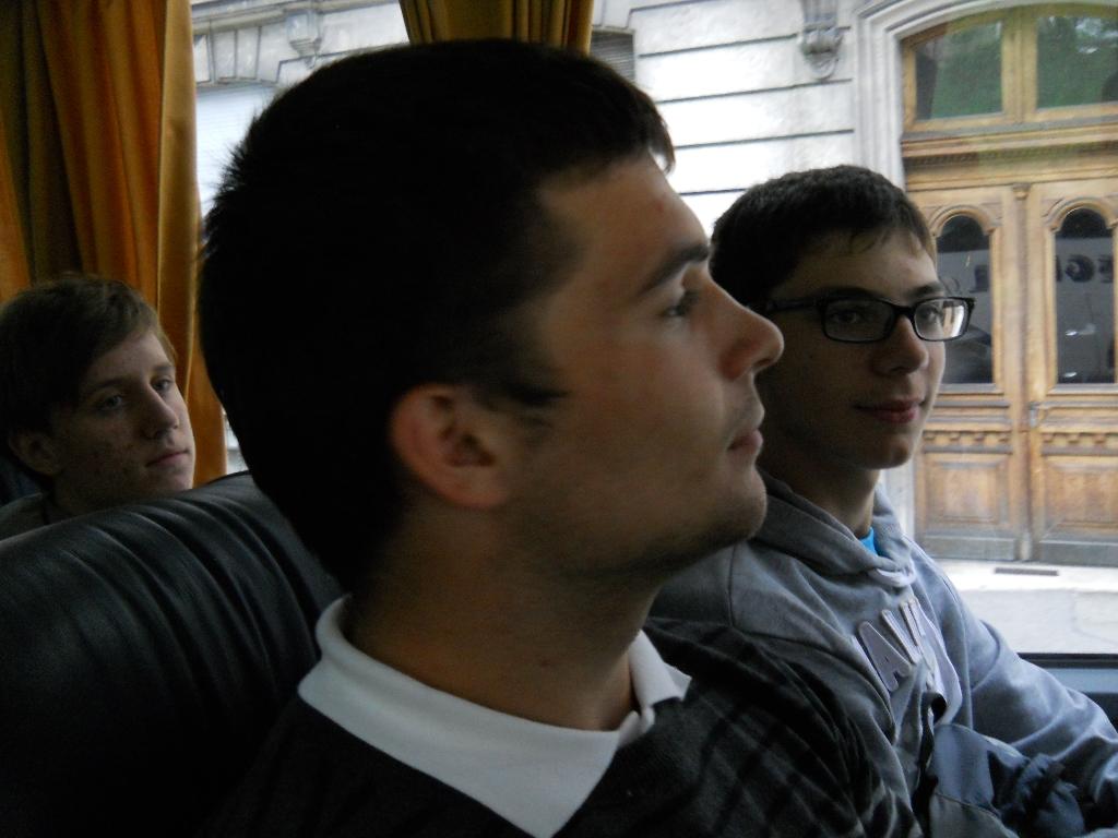 vica-2012-071